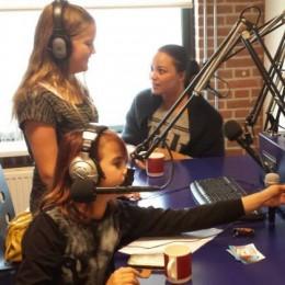 Esmee en Serra te gast bij Zaanradio